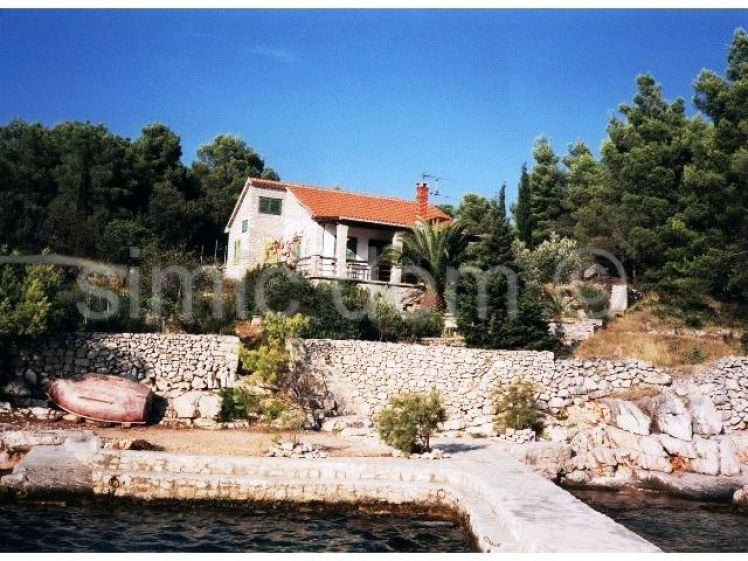Brac stone house